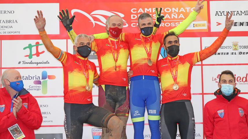 Torrelavega-corona-a-ocho-campeones-master-de-ciclocross