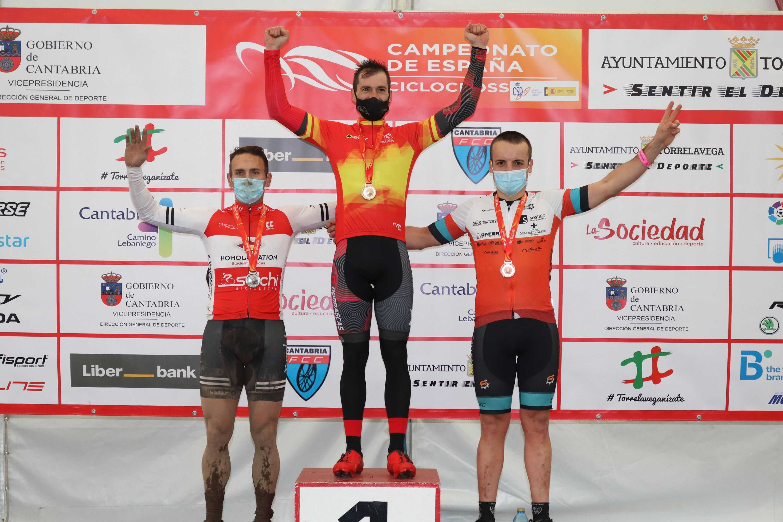 Torrelavega corona a ocho campeones máster de ciclocross