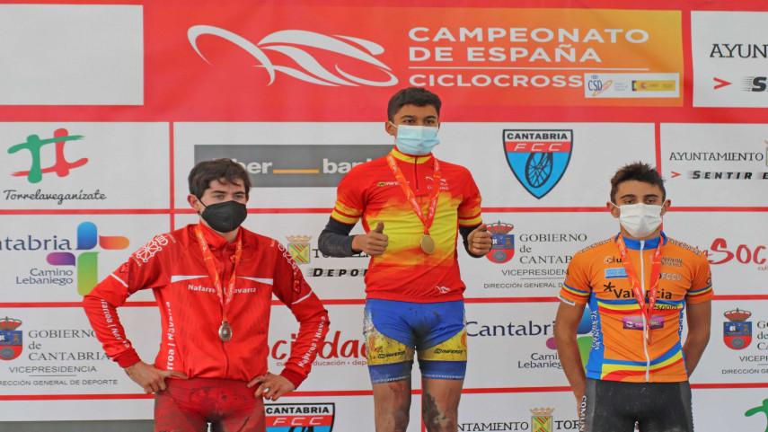 La-seleccion-autonomica-logra-cuatro-medallas-en-el-Nacional-de-ciclocros-en-Torrelavega
