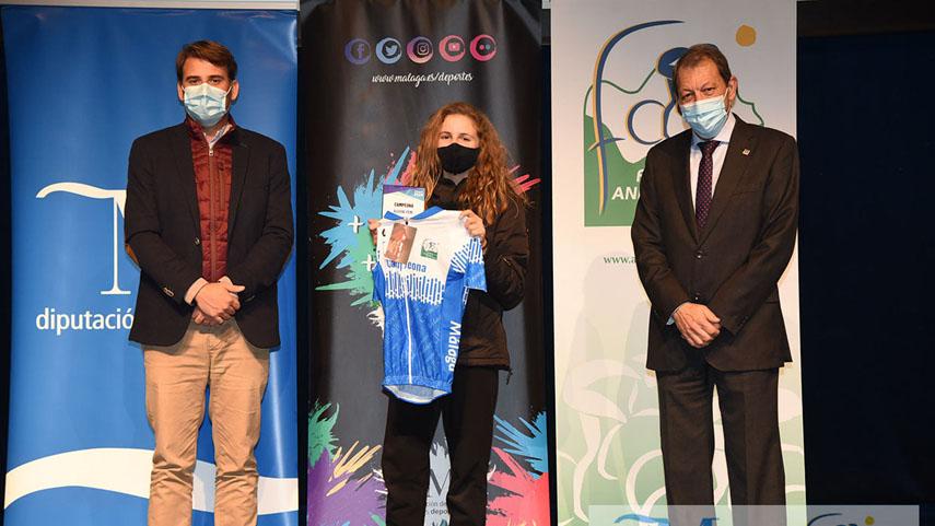 Los-ciclistas-malaguenos-laureados-en-2020-reciben-sus-premios-en-el-Auditorio-Edgar-Neville-