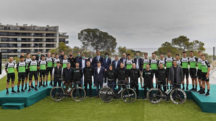 El-Equipo-Kern-Pharma-se-presenta-en-la-Vila-Joiosa-como-escuadra-UCI-ProTeam