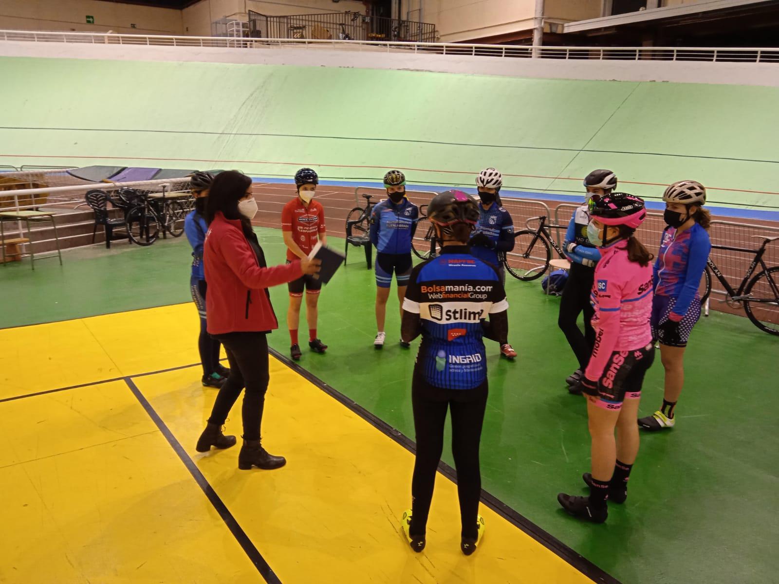Las Comisiones de féminas y de pista ya trabajan con las juniors y cadetes de ruta