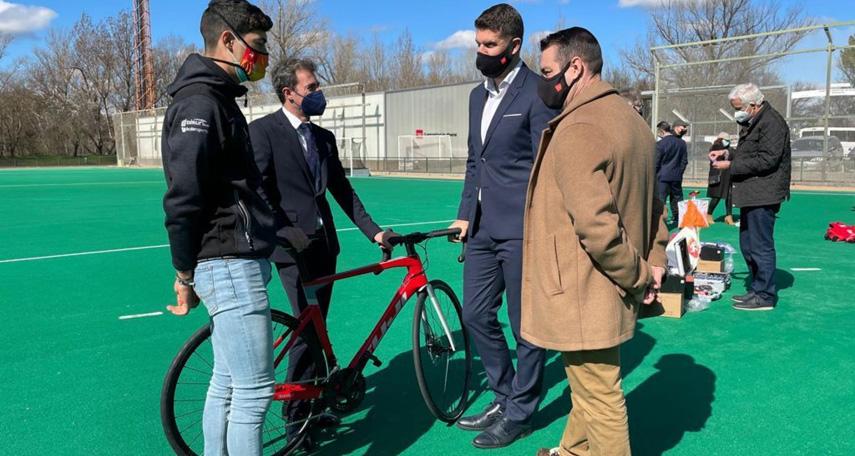 La-Comunidad-de-Madrid-entrego-material-para-nuestro-programa-de-tecnificacion