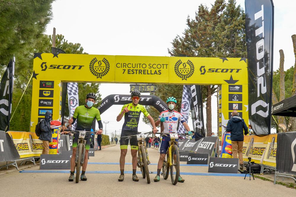 Pistoletazo de salida del Circuito Scott 7 Estrellas con Sandra Pastor y Francisco Herrero en lo más alto