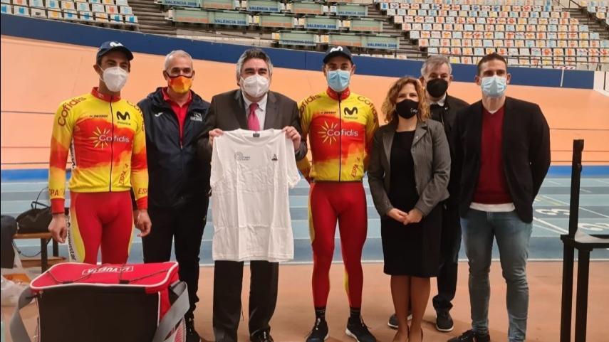 El-Ministro-de-Cultura-y-Deportes-Rodriguez-Uribes-visita-el-CEAR-de-Valencia