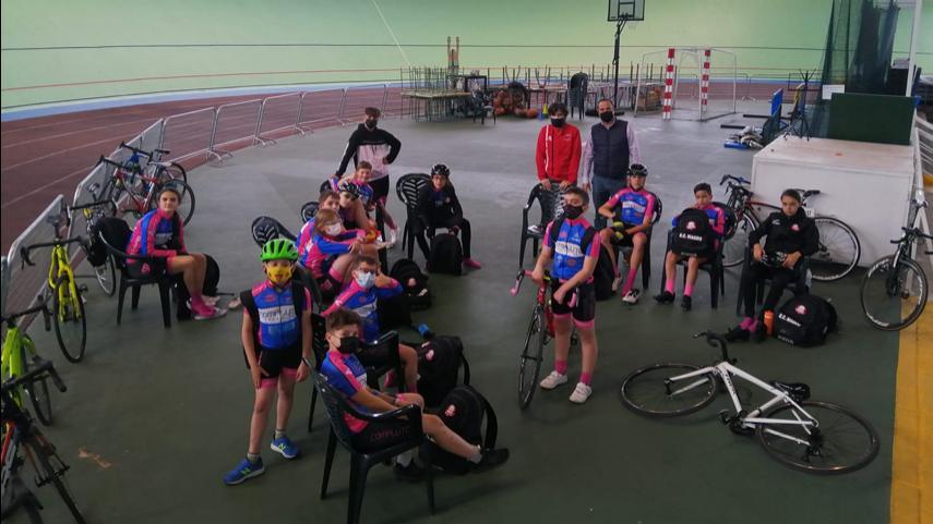 La-Escuela-Ciclista-Rodriguez-Magro-se-probo-en-el-velodromo-de-Galapagar