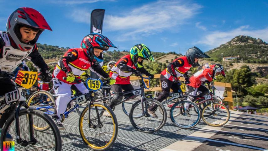 La-Copa-BMX-de-la-Comunitat-Valenciana-arranco-en-Alcoy