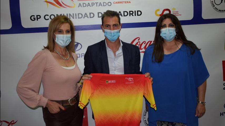 Presentados-en-Cenicientos-los-Campeonatos-de-Espana-de-Ciclismo-Adaptado-en-ruta