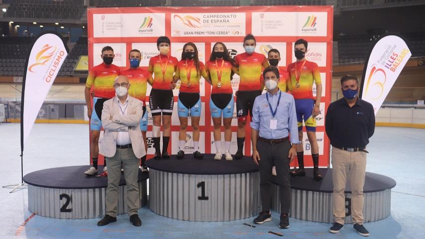 Erik-Martorell-y-Eukene-Larrarte-campeones-de-Espana-de-omnium-2021