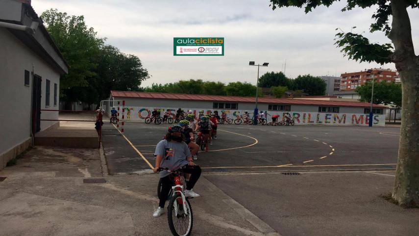 Aula-Ciclista-FCCV-visita-el-CEIP-Ausias-March