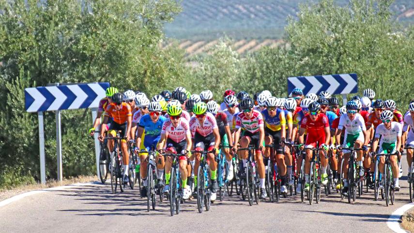 El-maillot-de-campeon-de-Espana-sub23-masculino-espera-dueno-el-sabado-en-La-Nucia
