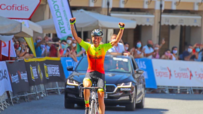 Mavi-Garcia-a-revalidar-su-titulo-de-campeona-de-Espana-en-ruta