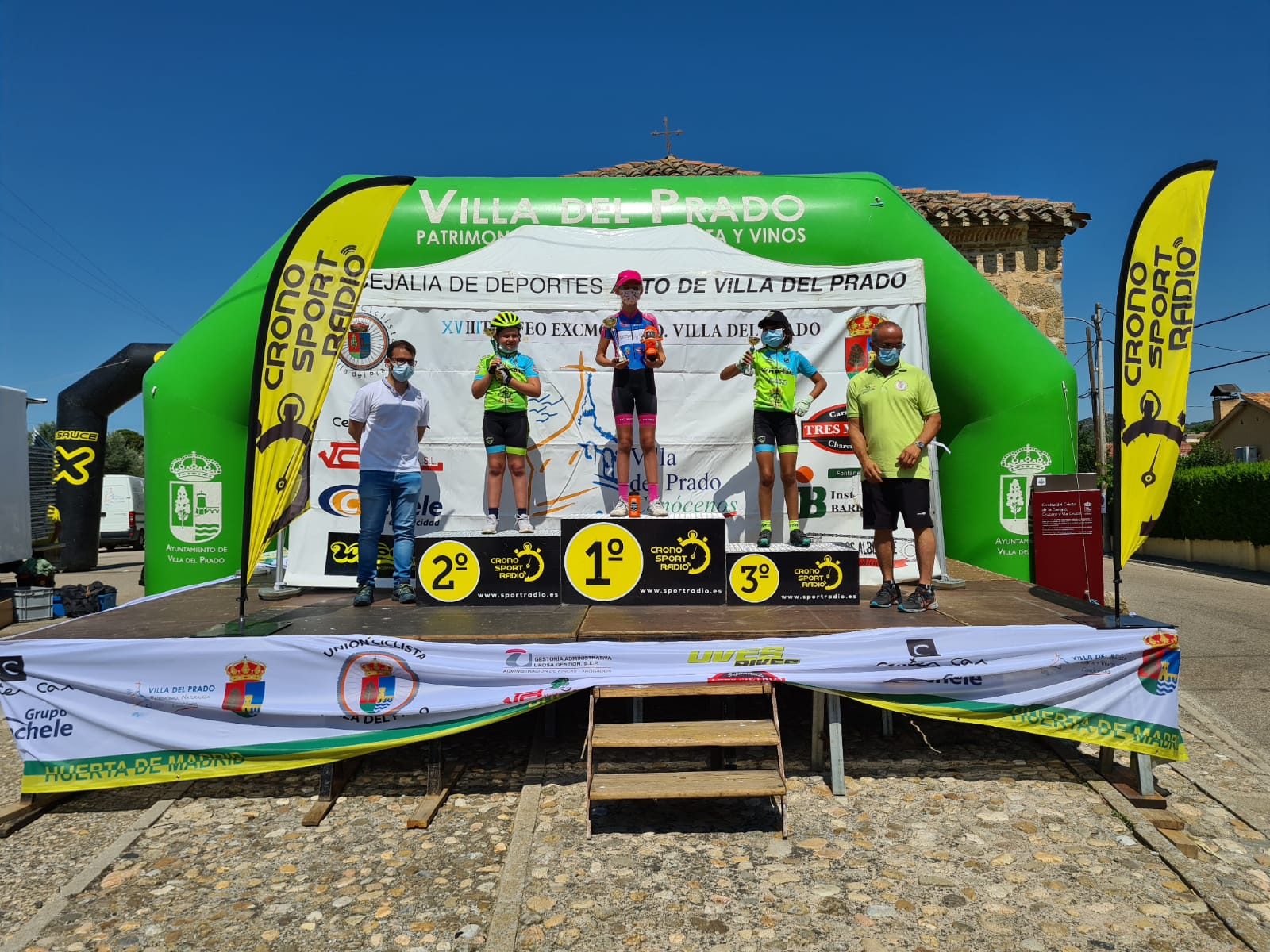 Los hermanos Moreno, Irene y Carlos, dominaron la gymkana de Villa del Prado
