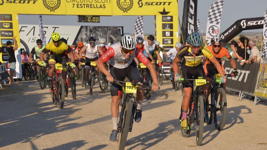 Victorias-en-la-Sunset-MTB-Race-de-Villanueva-del-Pardillo-para-Natalia-Fischer-y-Jose-Maria-Sanchez