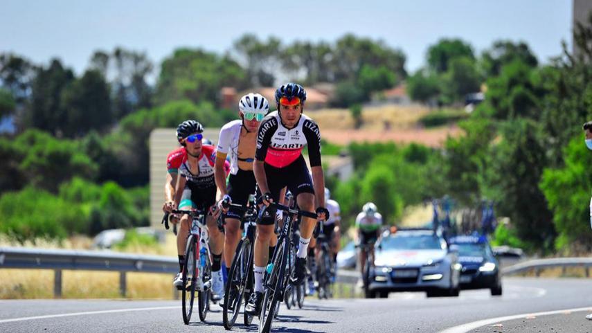 Golpe-de-mano-del-Basso-Team-en-la-llegada-a-Villarejo-de-Salvanes