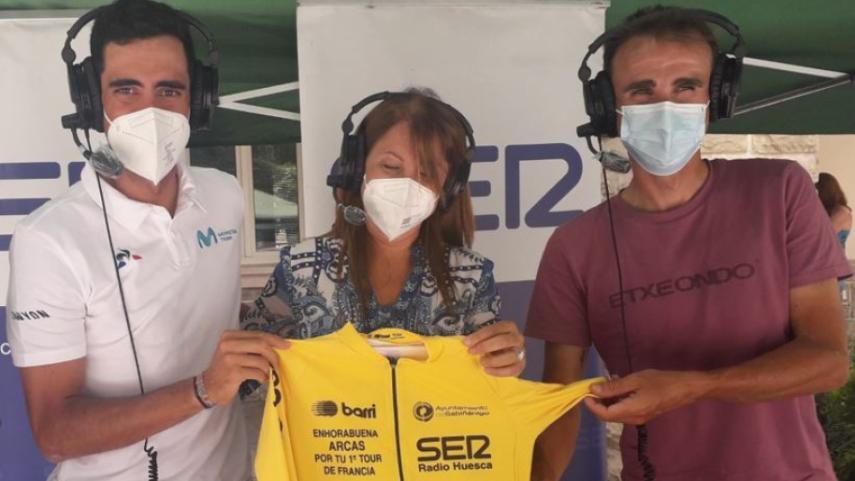 Sabinanigo-y-grandes-figuras-del-ciclismo-arropan-a-Jorge-Arcas-tras-su-paso-por-el-Tour