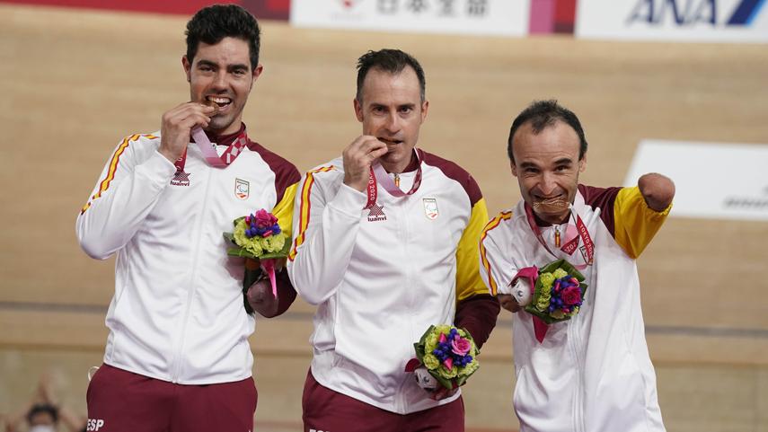 Ten-Jaramillo-y-Cabello-bronce-en-la-velocidad-por-equipos-de-Tokio-2020