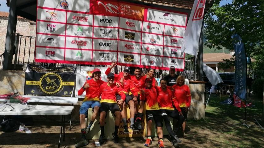 El-IV-Enduro-La-Adrada-deparo-las-victorias-de-Nicolas-Carrera-y-de-Covadonga-Gonzalez