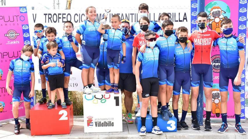 La-Union-Ciclista-Fuenlabrada-en-lo-mas-alto-del-V-Trofeo-de-Ciclismo-Infantil-de-Villalbilla