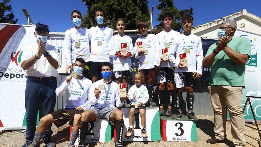 Una-espectacular-matinal-corona-en-Huetor-Vega-a-los-campeones-andaluces-de-Trialbici
