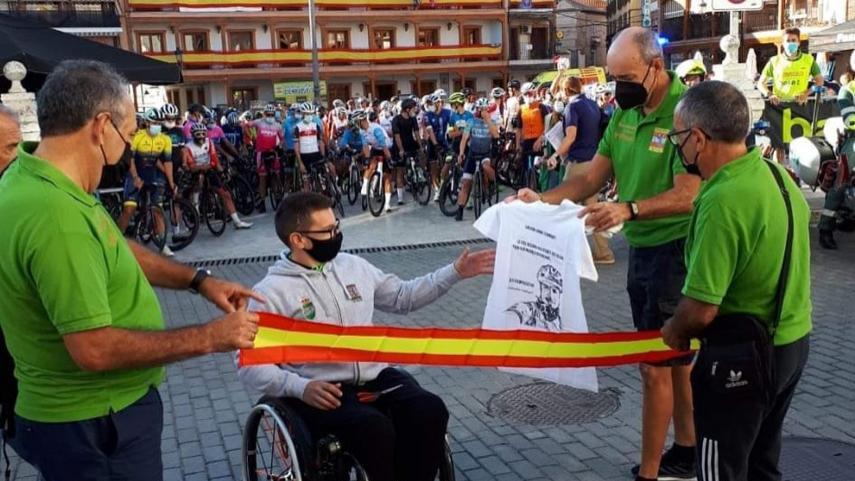 Ciempozuelos-proclamo-a-Luis-Ibanez-Arturo-Munoz-y-Jose-Vicente-Gisbert-campeones-de-Madrid-master-de-ruta