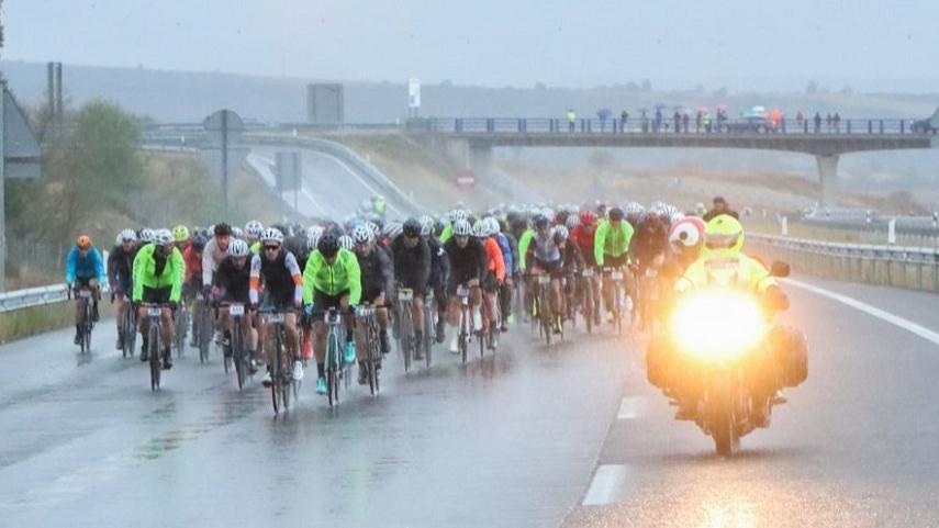 La-Quebrantahuesos-vuelve-a-ser-referente-del-cicloturismo-en-el-Pirineo-Aragones