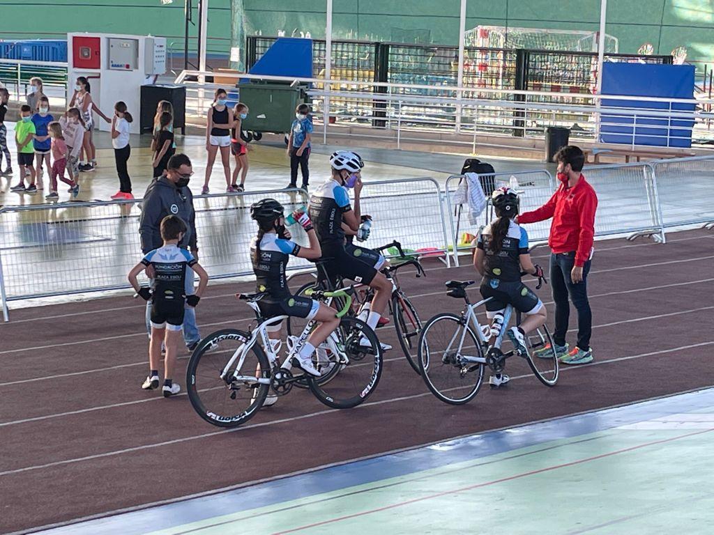 Fundación Contador y UC Coslada se probaron en el velódromo de Galapagar