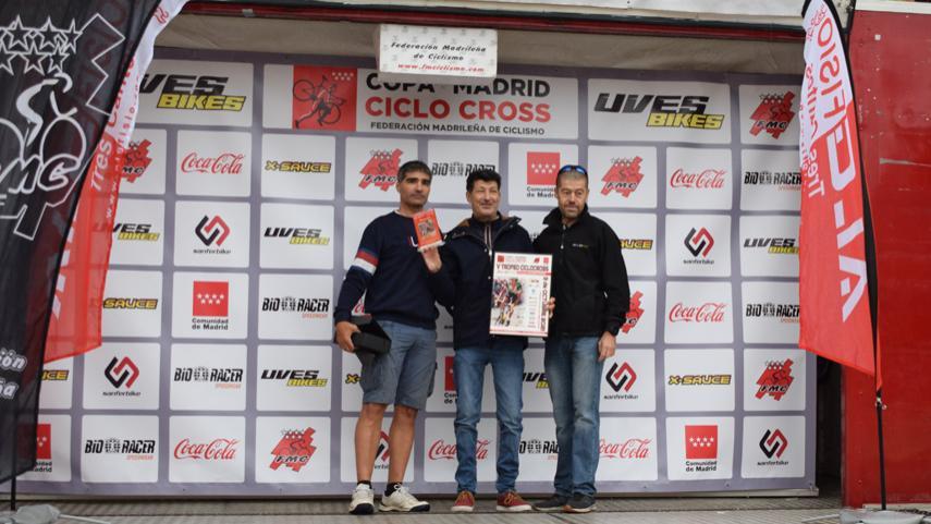 La-lluvia-de-Tres-Cantos-trajo-los-triunfos-de-Estela-Dominguez-y-Julio-Perez-en-el-debut-del-ciclocross-PROVISIONAL