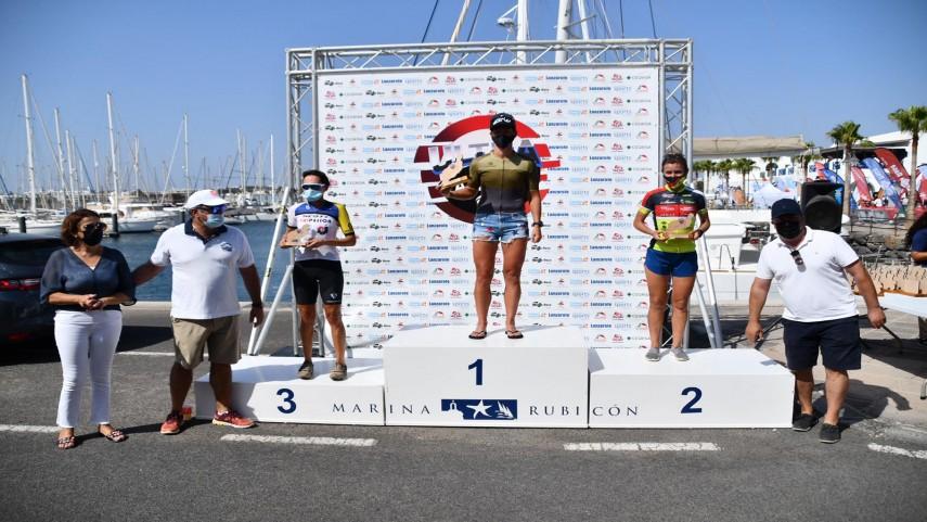 Nelson-Vera--y-Tessa-Kortekaas-vencedores-de-la-Ultrabike-2021