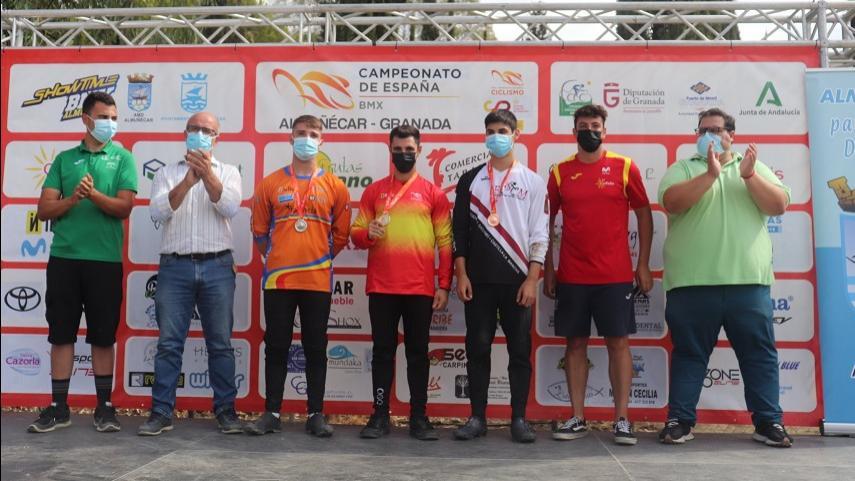 Victor-Lopez-consigue-en-Almunecar-dos-titulos-de-campeon-de-Espana-de-BMX