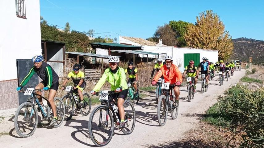 La-Via-Verde-hace-disfrutar-en-Coripe-a-los-cicloturistas-de-las-Marchas-Diputacion-Sevilla