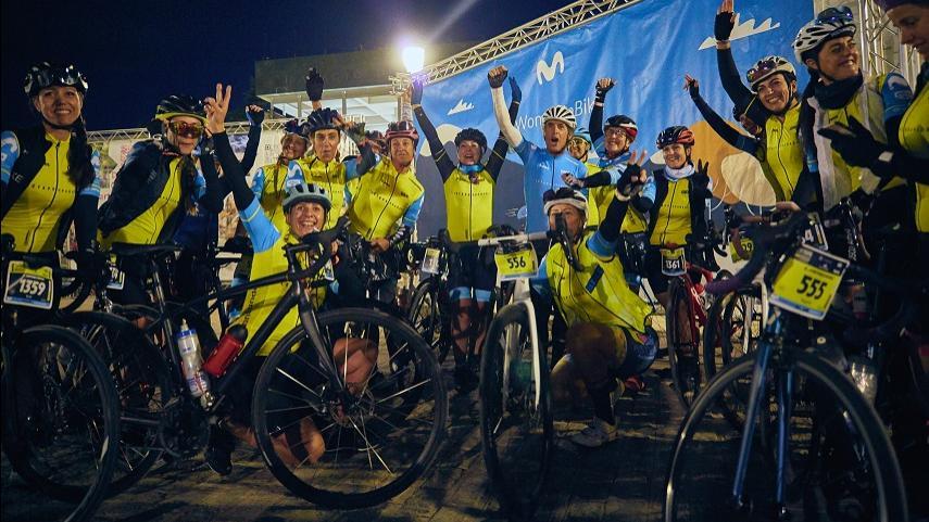 Las-lideres-del-proyecto-Women-In-Bike-ruedan-juntas-en-La��etape-Granada-by-Tour-de-France