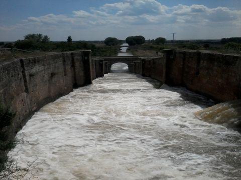Canal de Castilla-Cristo del Otero